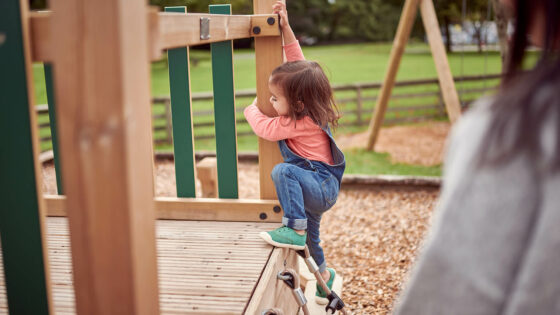 How to build your child's resilience with a healthy immune system | AptaNutrition Parents' Corner