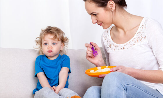 How to handle your toddler's fussy eating phase | AptaNutrition Parents' Corner
